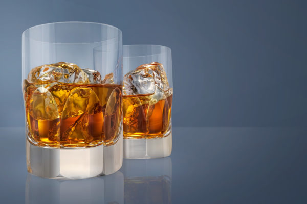 David-Lund,-grants-whisky-glass